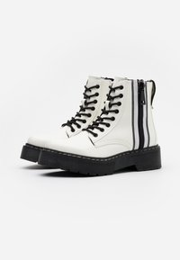 TOM TAILOR DENIM - Botines con plataforma - white - 2