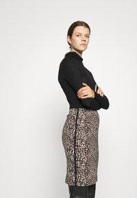 Marc Cain - Mini skirt - warm sand - 3