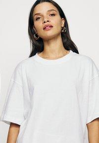 Missguided Petite - 2 PACK - Basic T-shirt - white/mint - 6