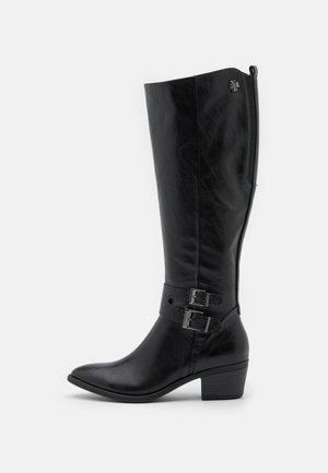 Boots - black antic
