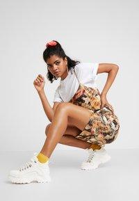 NEW girl ORDER - ORIENTAL PRINT DRESS STRAPS - Fodralklänning - multi - 1