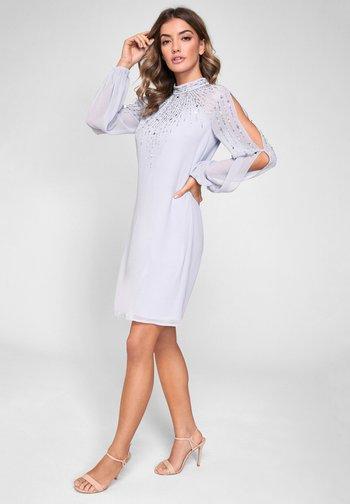 EMBELLISHED LONG SLEEVED SHIFT DRESS
