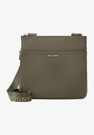 Across body bag - oliv grün