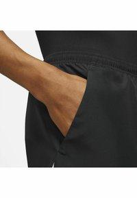 Nike Performance - RUN SHORT - Korte sportsbukser - black/white - 5