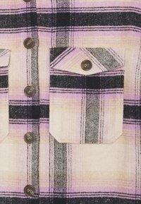 Pieces - PCCARLENE SHACKET - Lett jakke - sheer lilac/birch/navy - 2