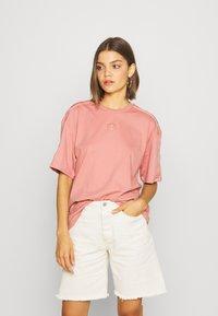 adidas Originals - Print T-shirt - ash pink - 0