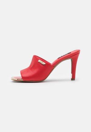 BRONX MULE - Sandaler - red