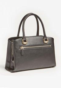 Guess - Handbag - schwarz - 1
