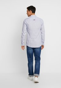 Tommy Jeans - DOBBY  - Shirt - classic white - 2