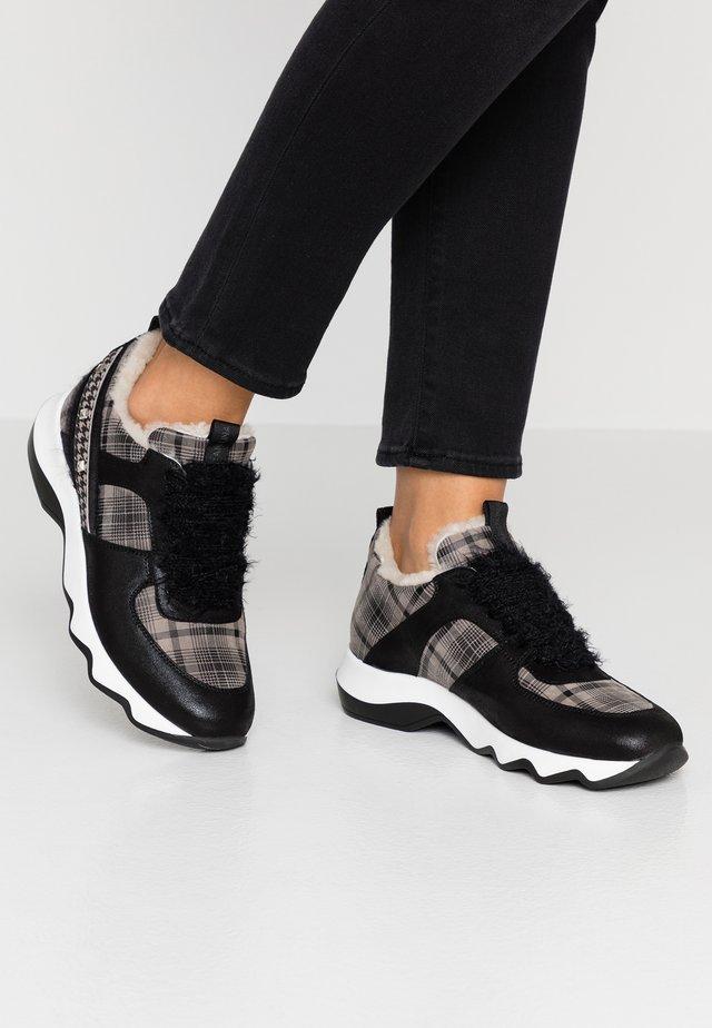 Sneakersy niskie - deserto