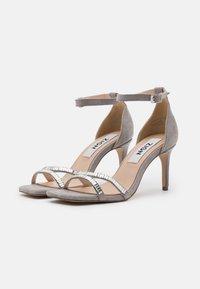 Zign - Sandały na obcasie - grey - 2