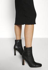 ARKET - Denní šaty - black - 3