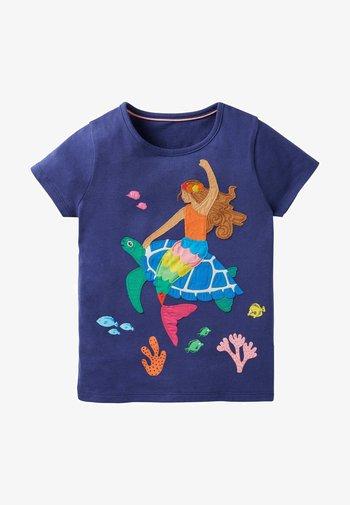 Print T-shirt - segelblau/ meerjungfrau