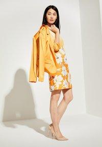 comma - Day dress - yellow - 1