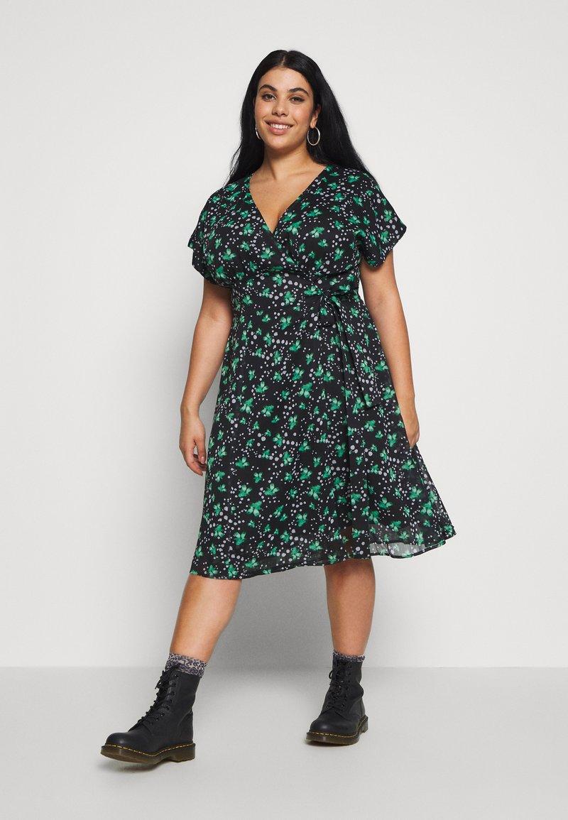 Lost Ink Plus - PRINTED KIMONO WRAP SLEEVE DRESS - Day dress - multi