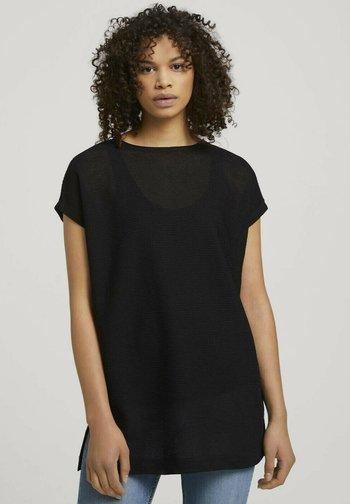 MIT SCHLITZEN - Basic T-shirt - deep black
