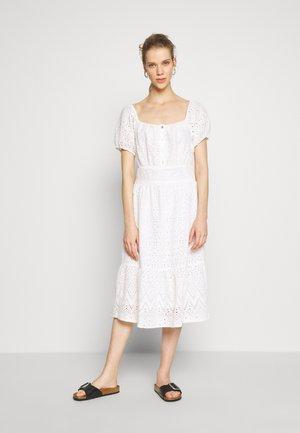 HANNAH DRESS - Košilové šaty - chalk