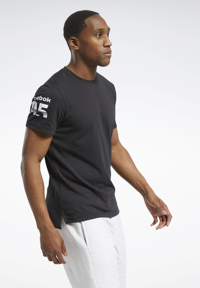 MYT GRAPHIC T-SHIRT - T-shirt z nadrukiem - black