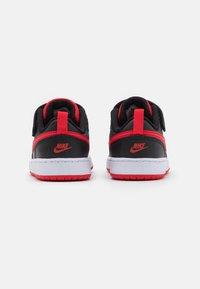 Nike Sportswear - COURT BOROUGH 2 UNISEX - Baskets basses - black/university red - 2