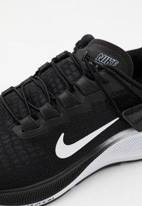 Nike Performance - Zapatillas de running neutras - black/white/smoke grey - 5