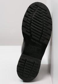 Dr. Martens - 1460 - Šněrovací kotníkové boty - mono black - 4