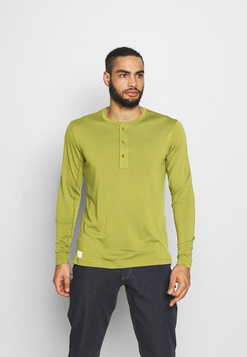 Norrøna - SVALBARD GRANDPA SHIRT - Long sleeved top - olive drab