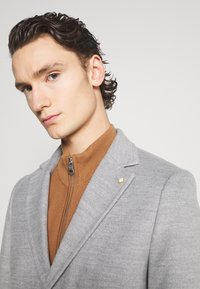 Burton Menswear London - FAUX BUTTON - Short coat - light grey - 7