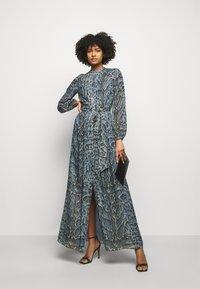 Temperley London - OCELOT PRINTED DRESS - Košilové šaty - powder blue - 1
