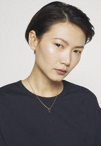 Vibe Harsløf - I`M EVERYWOMAN NECKLACE - Ketting - gold-coloured - 1