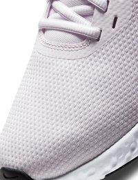 Nike Performance - REVOLUTION 5 - Neutral running shoes - light violet - 6