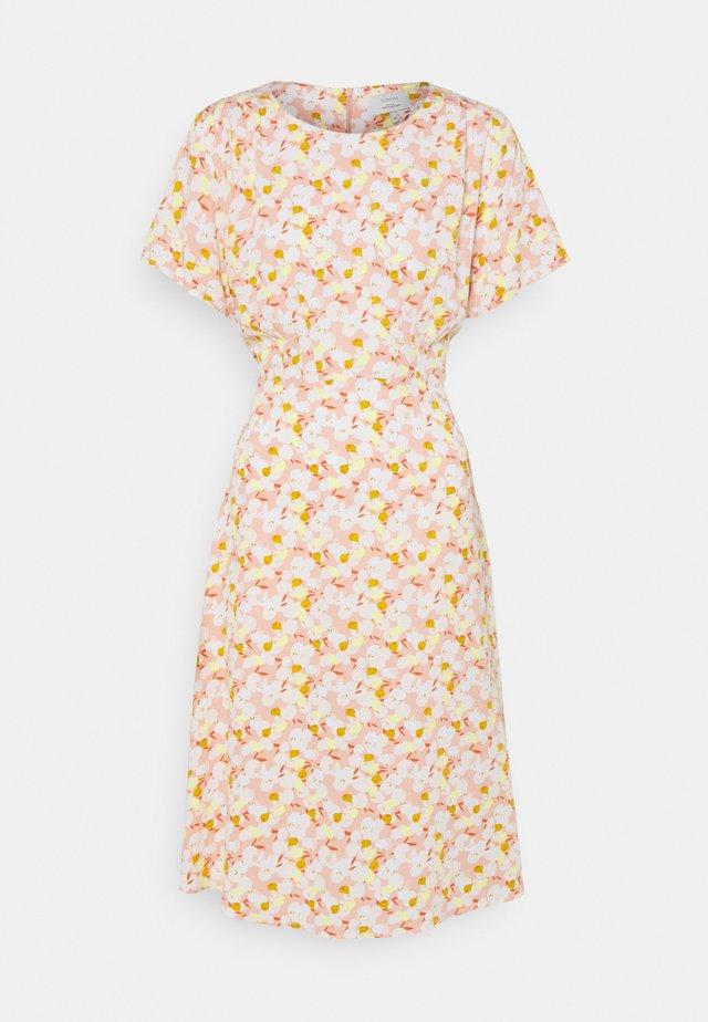 NUANOMA DRESS - Kjole - pink sand