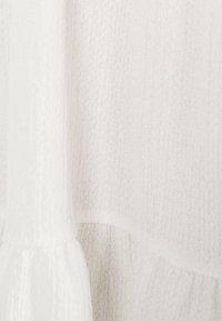 Bershka - MIT KURZEN ÄRMELN - Robe d'été - white - 5