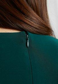 Lauren Ralph Lauren Petite - TRAVA SLEEVE DAY DRESS - Fodralklänning - dark fern - 6