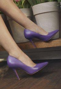 San Marina - GALICIA - Lodičky na vysokém podpatku - violet - 4
