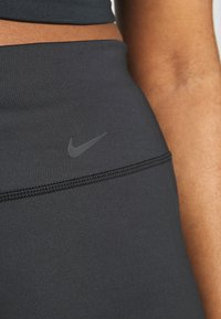 Nike Performance - CLASSIC GYM PANT PLUS - Joggebukse - black - 4