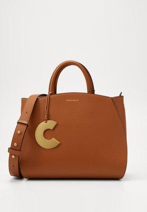 CONCRETE HANDBAG - Handbag - caramel