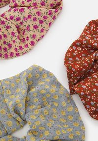 Pieces - PCMISSINA SCRUNCHIE 3 PACK - Hair styling accessory - kentucky blue/sand/red - 1