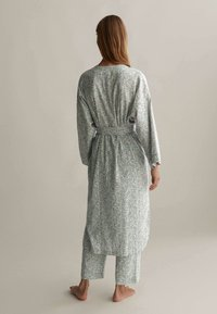 OYSHO - Dressing gown - green - 1