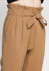 ONLY - ONLSURI AINA - Broek - toasted coconut - 2