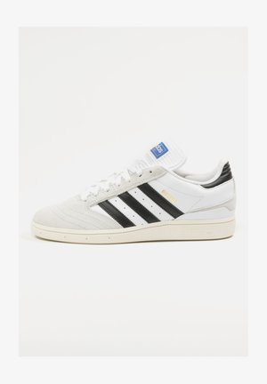 Trainers - cloud white / core black / crystal white