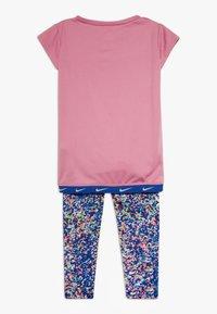 Nike Sportswear - SPORT TUNIC REGRIND SET BABY - Leggings - Trousers - hyper blue - 1