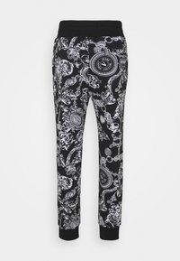 Versace Jeans Couture - BRUSHED PRINT REGALIA BAROQUE - Verryttelyhousut - nero - 6