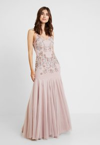 Maya Deluxe - EMBELLISHED CAMIMAXI DRESS WITH FISHTAIL - Robe de cocktail - frosted pink - 2