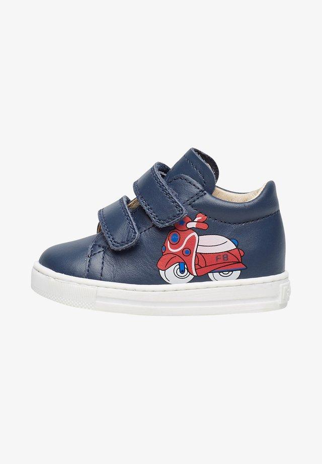 AVISPA VL MIT SCOOTER-PRINT - Sneakers basse - blau