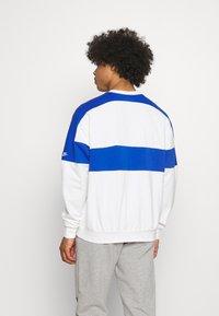 Nike Sportswear - REISSUE FAIRLEAD CREW - Sweatshirt - sail/game royal - 2