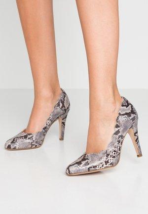 High heels - grey