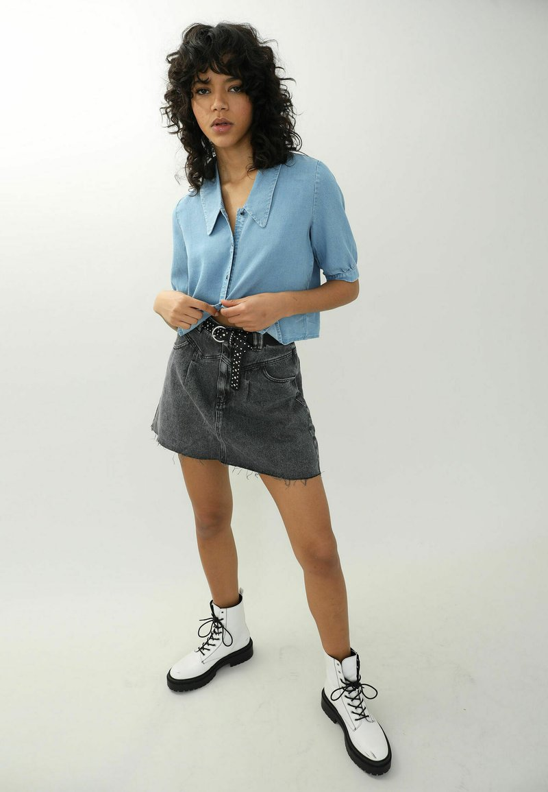 Pimkie - Button-down blouse - hellblau