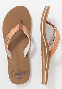 Reef - CUSHION - Sandály s odděleným palcem - natural - 3