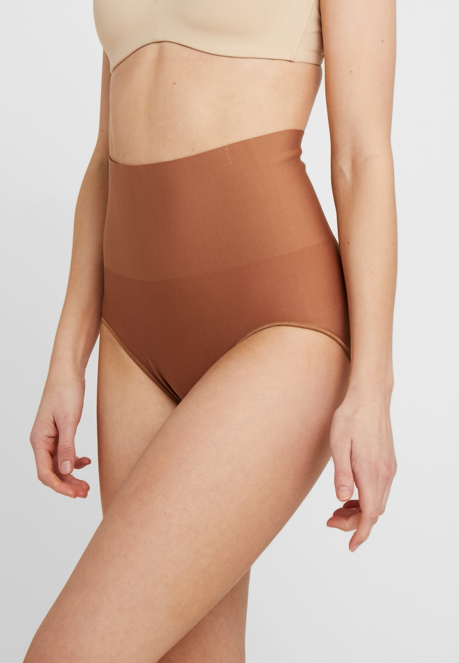 Women TAILORED BRIEF TAME YOUR TUMMY - Shapewear