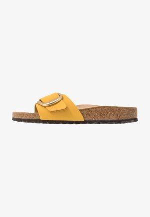 MADRID BIG BUCKLE - Slippers - ochre